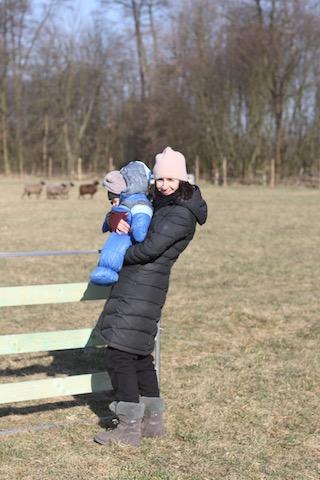 dziecko i pies początki pasienia